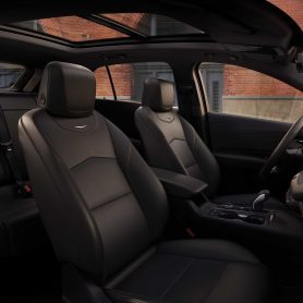 sedili interni della nuova Cadillac XT4 in vendita presso Gruppo Cavauto situato a Monza