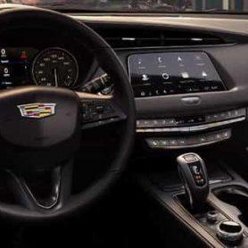 Volante Cadillac XT4
